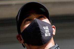 Pole man Lewis Hamilton, Mercedes-AMG F1, in Parc Ferme