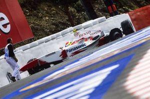 Ricardo Zonta, Toyota TF104, crash