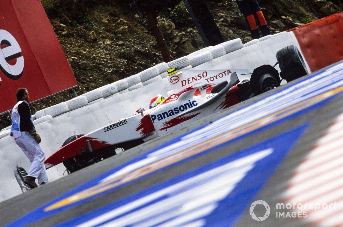 Но не у всех получалось так хорошо – новичок команды Toyota Райан Бриско попал в серьезную аварию в «Красной воде»