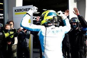 #8 Rutronik Racing Audi R8 LMS: Dennis Marschall, Carrie Schreiner