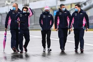 Sergio Perez, Racing Point walks the track with members of his team