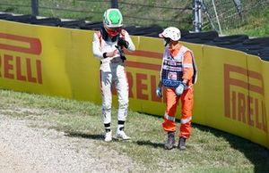 Luca Ghiotto, Hitech Grand Prix se retira de la carrera
