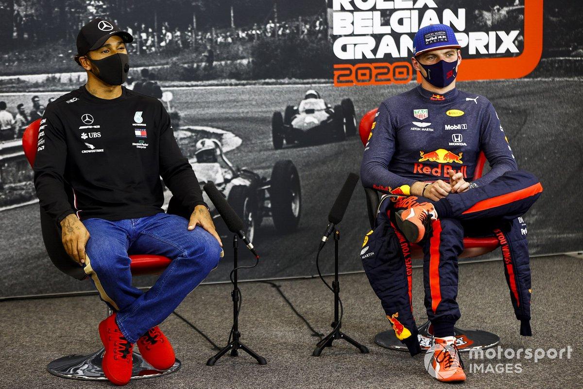 Ganador de la poe Lewis Hamilton, Mercedes-AMG F1, Max Verstappen, Red Bull Racing, en la conferencia de prensa