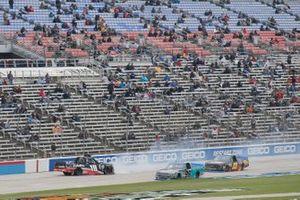 Christian Eckes, Kyle Busch Motorsports, Toyota Tundra Safelite AutoGlass Ben Rhodes, ThorSport Racing, Ford F-150 Tenda Heal