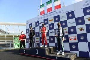 Il Podio di Gara1: Il vincitore Gabriele Mini, Prema Powerteam, secondo posto Francesco Pizzi, Van Amersfoort Racing, Ugran Filip-Ioan, Jenzer Motorsport