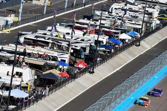 Kyle Busch, Joe Gibbs Racing, Toyota Camry M&M's, Denny Hamlin, Joe Gibbs Racing, Toyota Camry FedEx Ground