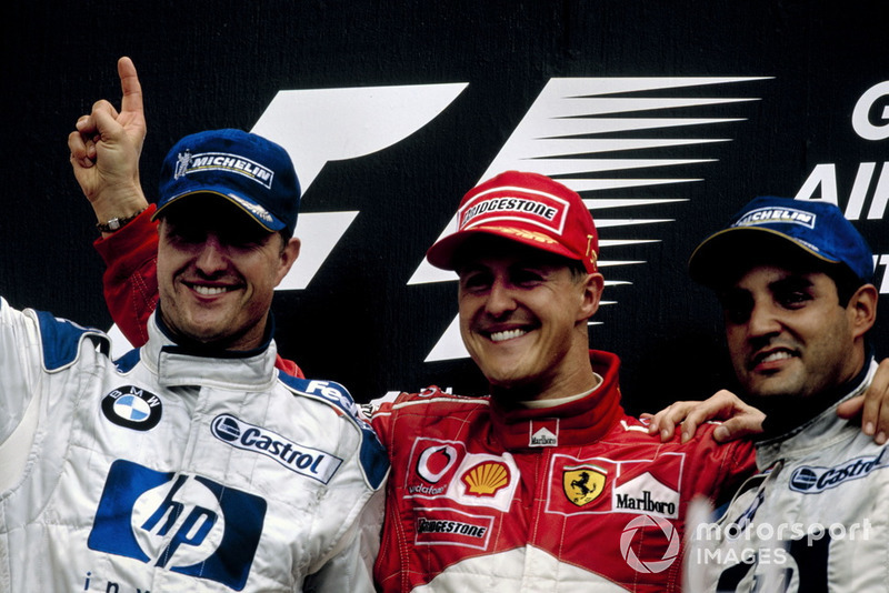 Podium: winnaar Michael Schumacher, Ferrari, tweede Ralf Schumacher, BMW Williams, derde Juan-Pablo Montoya, BMW Williams