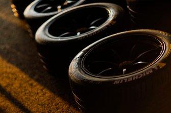 Neumáticos en pits