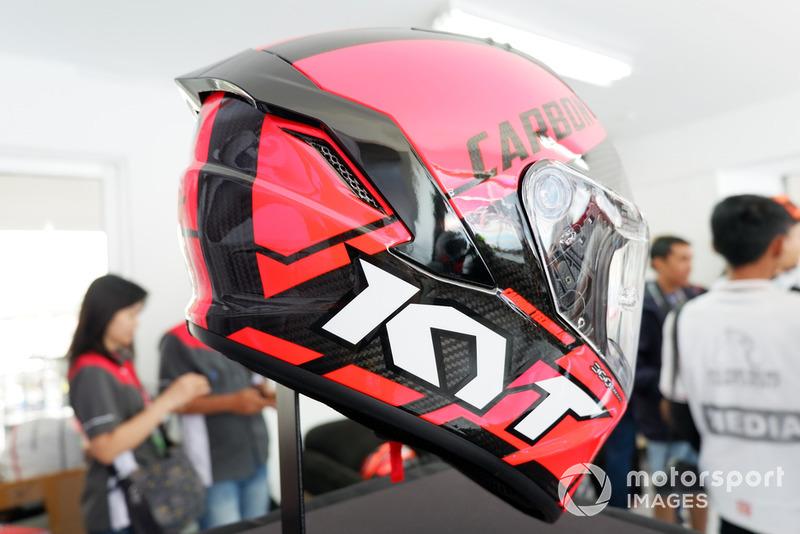 Helm KYT NX-Race Berstandar MotoGP