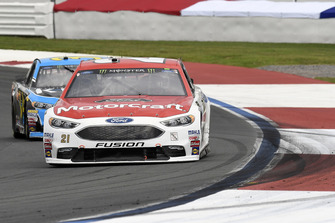 Paul Menard, Wood Brothers Racing, Ford Fusion Motorcraft / Quick Lane Tire & Auto Center, Michael McDowell, Front Row Motorsports, Ford Fusion K-LOVE RADIO