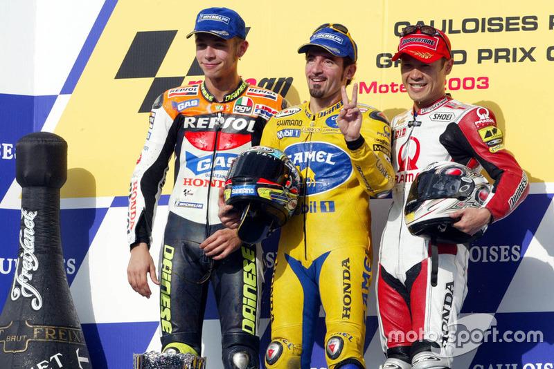 Podyum: Yarış galibi Max Biaggi, Honda, 2. Valentino Rossi, Honda, 3. Makoto Tamada, Honda