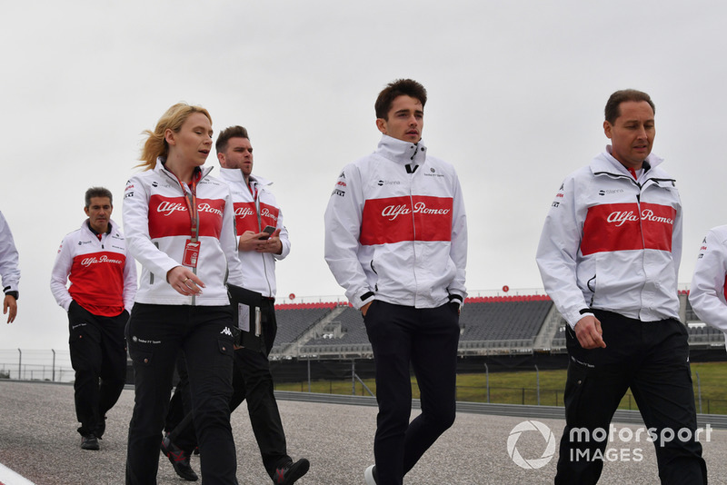Charles Leclerc, Alfa Romeo Sauber F1 Team walks the track with Ruth Buscombe, Alfa Romeo Sauber F1 Team Race Strategist
