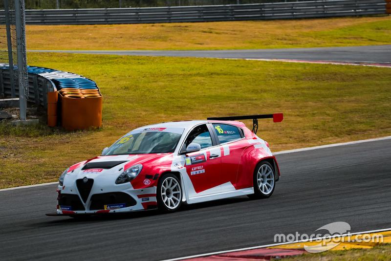 Xia Yi Lin, Freely Racing, Alfa Romeo Giulietta TCR