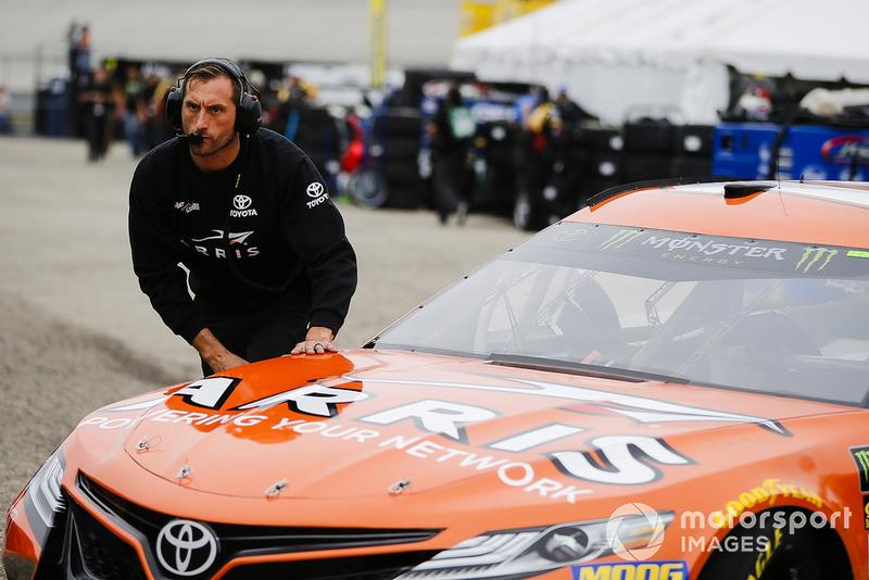 Daniel Suarez, Joe Gibbs Racing, Toyota Camry ARRIS crew member