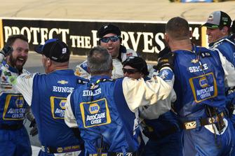 Il vincitore della gara Chase Elliott, Hendrick Motorsports, Chevrolet Camaro NAPA Auto Parts