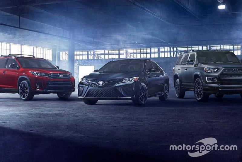 Toyota Camry та Highlander Nightshade