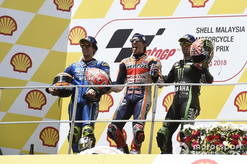 Le podium du GP de Malaisie 2018 : 1er Marc Márquez, 2e Álex Rins, 3e Johann Zarco