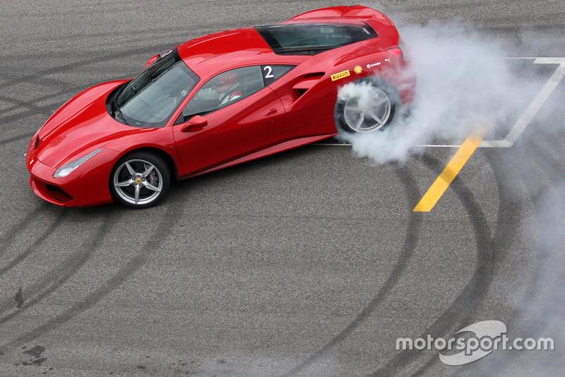 Esibizione Ferrari