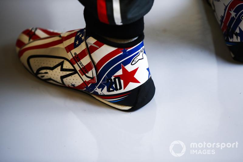 Botas temáticas especiales de Estados Unidos para Kevin Magnussen, Haas F1 Team