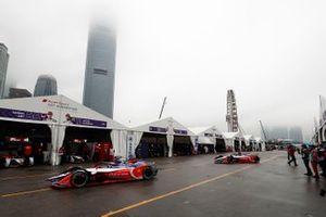 Pascal Wehrlein, Mahindra Racing, M5 Electro, Jérome d'Ambrosio, Mahindra Racing, M5 Electro head down the pit lane