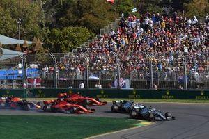 Valtteri Bottas, Mercedes AMG W10, leads Lewis Hamilton, Mercedes AMG F1 W10, Sebastian Vettel, Ferrari SF90, Charles Leclerc, Ferrari SF90, and Max Verstappen, Red Bull Racing RB15, at the start