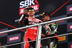 Alvaro Bautista, Aruba.it Racing-Ducati Team throws kneeslider into crowd