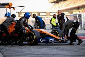 Lando Norris, McLaren MCL34 in the pitlane