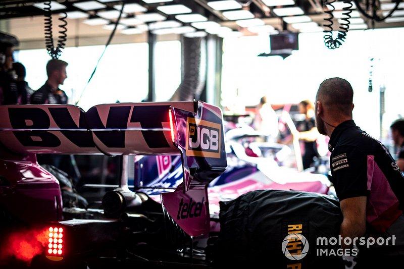 Suasana garasi Racing Point