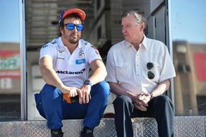 Fernando Alonso, McLaren Chevrolet, mit Johnny Rutherford