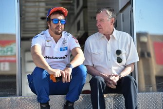 Fernando Alonso, McLaren Chevrolet, mit Johnny Rutherford