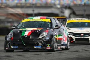 Tim Lewis, Roy Block, Alfa Romeo Giulietta TCR