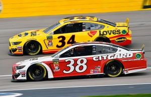 Michael McDowell, Front Row Motorsports, Ford Mustang Love's Travel Stops, David Ragan, Front Row Motorsports, Ford Mustang Citgard Heavy Duty Engine Oil