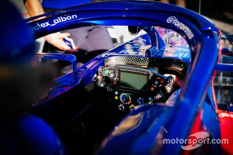 Toro Rosso STR14: Cockpit mit Lenkrad