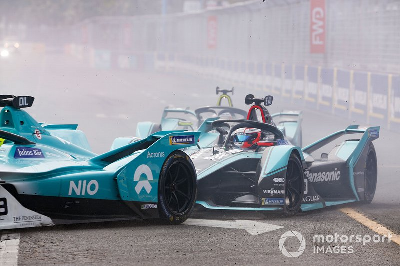 Mitch Evans, Panasonic Jaguar Racing, Jaguar I-Type 3, segue Tom Dillmann, NIO Formula E Team, NIO Sport 004, alla partenza