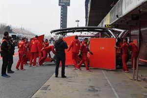 Sebastian Vettel, Ferrari SF90, de retour en pit lane