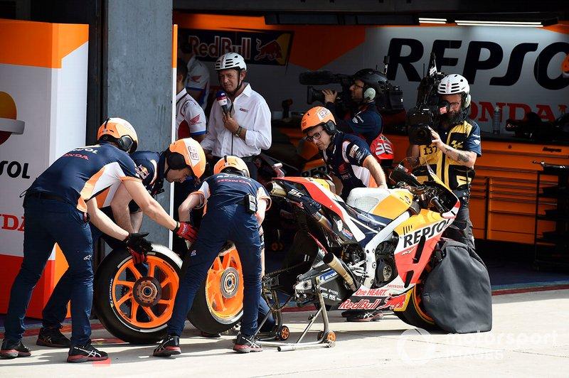 Marc Marquez, Repsol Honda Team, cambio gomme