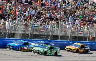 Ryan Blaney, Team Penske, Ford Mustang PPG and Kyle Busch, Joe Gibbs Racing, Toyota Camry Interstate Batteries
