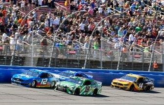Ryan Blaney, Team Penske, Ford Mustang PPG, Kyle Busch, Joe Gibbs Racing, Toyota Camry Interstate Batteries