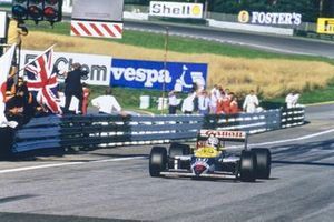 Race winner Nigel Mansell, Williams FW11B Honda