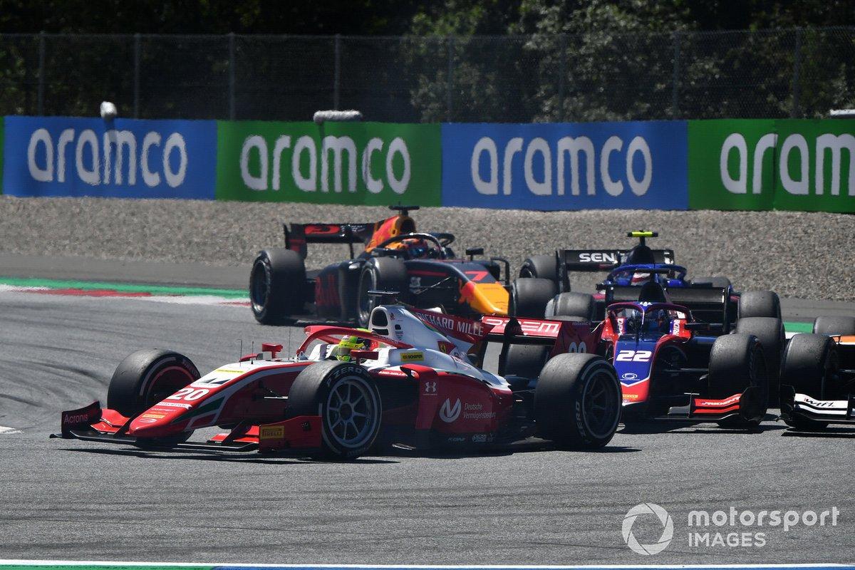 Mick Schumacher, Prema Racing, precede Roy Nissany, Trident, e Yuki Tsunoda, Carlin