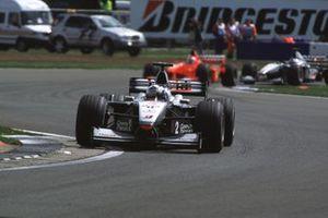 David Coulthard, McLaren MP4/15 Mercedes, Rubens Barrichello, Ferrari F1-2000, Mika Hakkinen, McLaren MP4/15 Mercedes, GP della Gran Bretagna del 2000