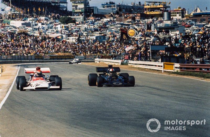 Helmut Marko, BRM P153 y Dave Walker, Lotus 72D Ford