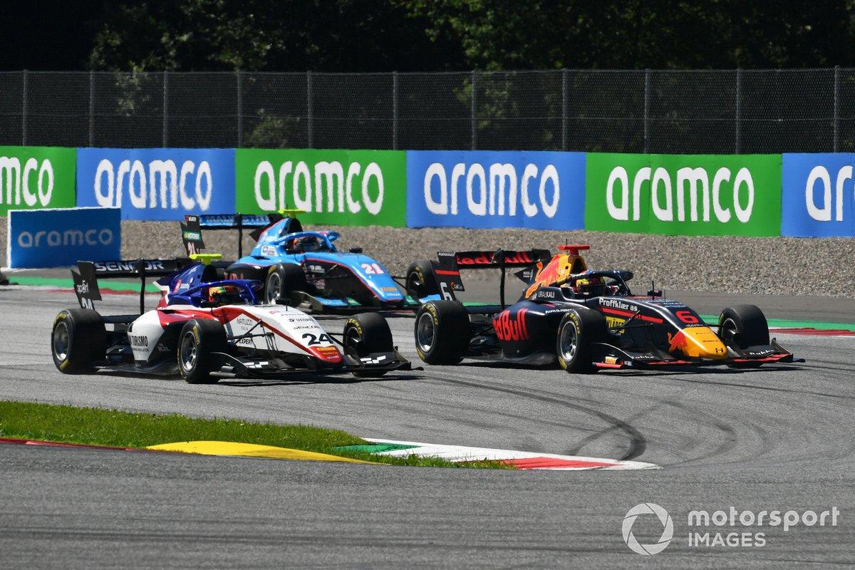 Igor Fraga, Charouz Racing System, precede Dennis Hauger, Hitech Grand Prix, Federico Malvestiti, Jenzer Motorsport