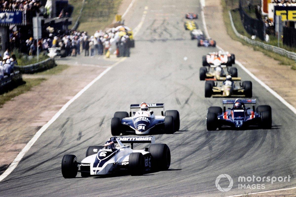В этот раз Эдди ехал очень здорово и даже обогнал в борьбе чемпиона мира Марио Андретти на Lotus (№11). Однако сотворить чудо Osella все же не удалось – на последних кругах коробка передач предательски захрустела, и пилот выбыл из борьбы…