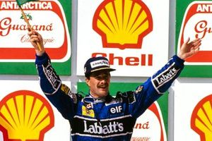 Podium : le vainqueur Nigel Mansell, Williams