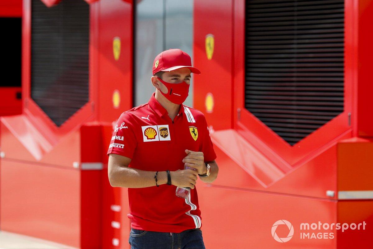 Charles Leclerc, Ferrari en el paddock