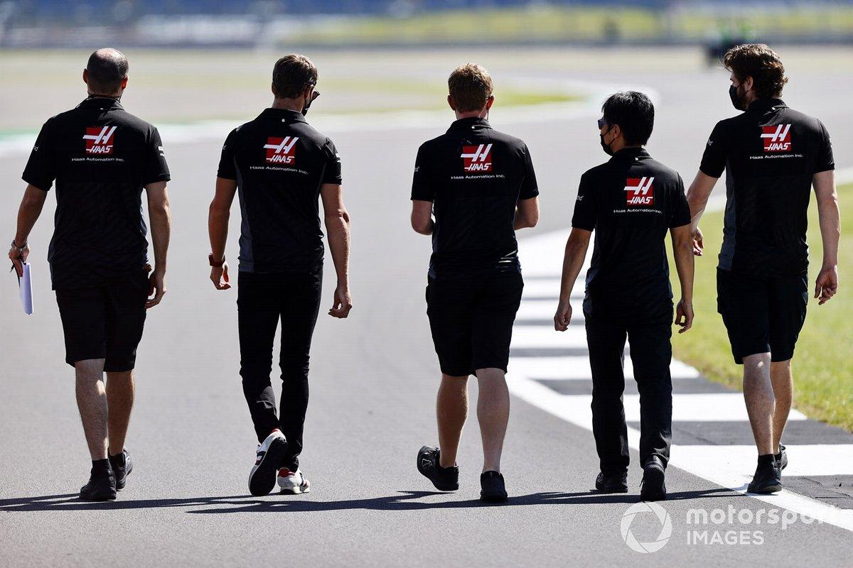 Romain Grosjean, Haas F1 y otros integrantes del equipo