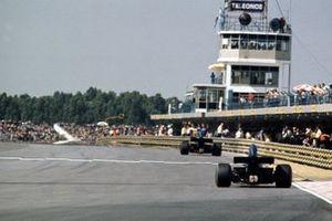 Jackie Stewart y Francois Cevert, Tyrrell 005 – Ford
