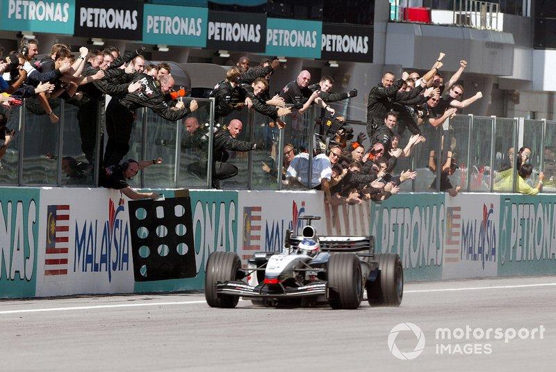 Le vainqueur Kimi Räikkönen, McLaren