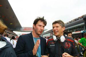 Keanu Reeves, actor y Nick Fry, Honda F1 Team